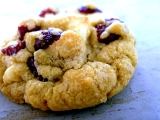 Lunch box snack of the week: Apricot, sesame and cranberrybiscuits