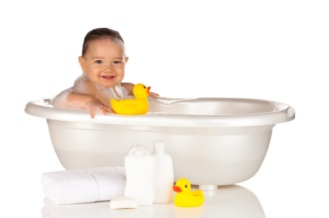 baby-in-bath